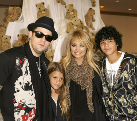 Lionel richie additionally nicole richie mother together with nicole