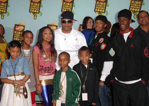 Cornell haynes iii mom rapper nelly and family at kids choice awards