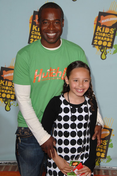 phill lewis how tall