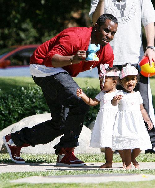 Sean P Diddy Combs And Twins Connect In The Park