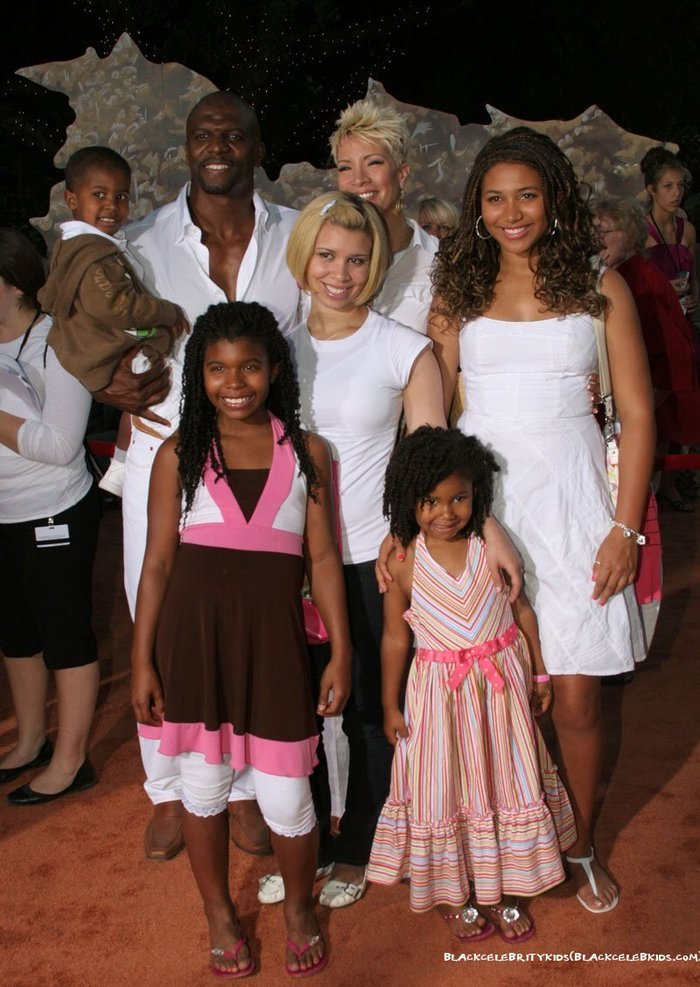 TERRY CREWS AND FAMILY AT WALL- E PREMIERECrews Rebecca Kids