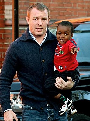 Guy Ritchie I Have So Much Love For David Banda Blackcelebritykids Black Celebrity Kids Babies And Their Parents Madonna later adopted the twins, esther and stella mwale. blackcelebritykids black celebrity kids babies and their parents wordpress com