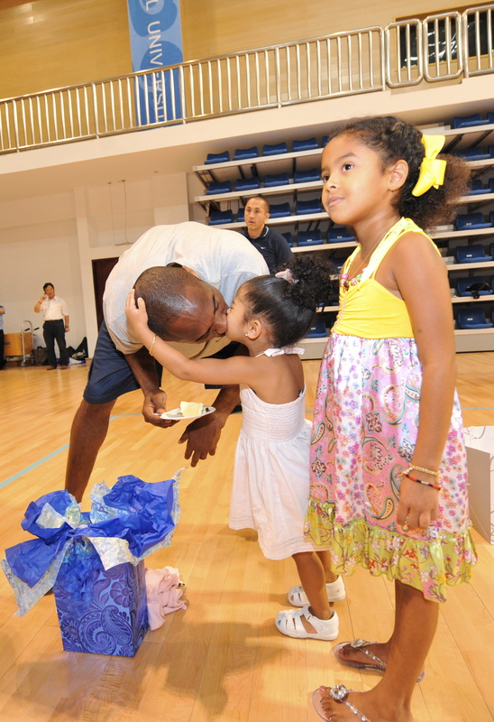 Kobe Bryant Wife on Kobe Bryant   S Olympic Birthday Celebration With Wife And Kids