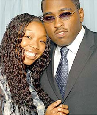 Brandy's Baby Daddy http://blackcelebritykids.wordpress.com/2008/10/01/more-pictures-of-brandys-shining-star/